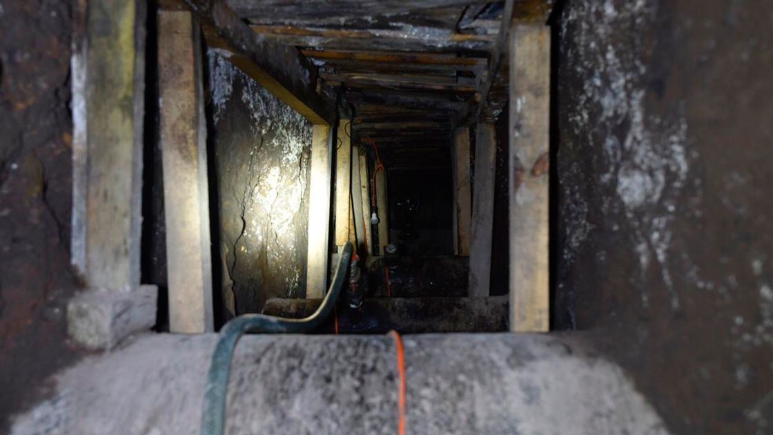 Pemex descubre 5 tomas clandestinas de gasolina y turbosina en Azcapotzalco.