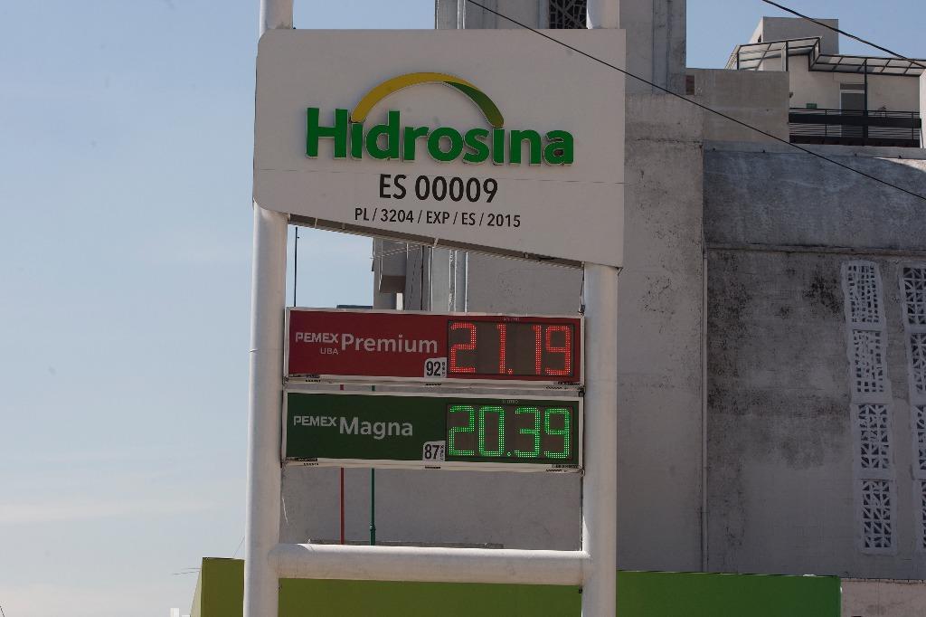 Anuncia SHCP subsidio para contener precio de gasolina Magna
