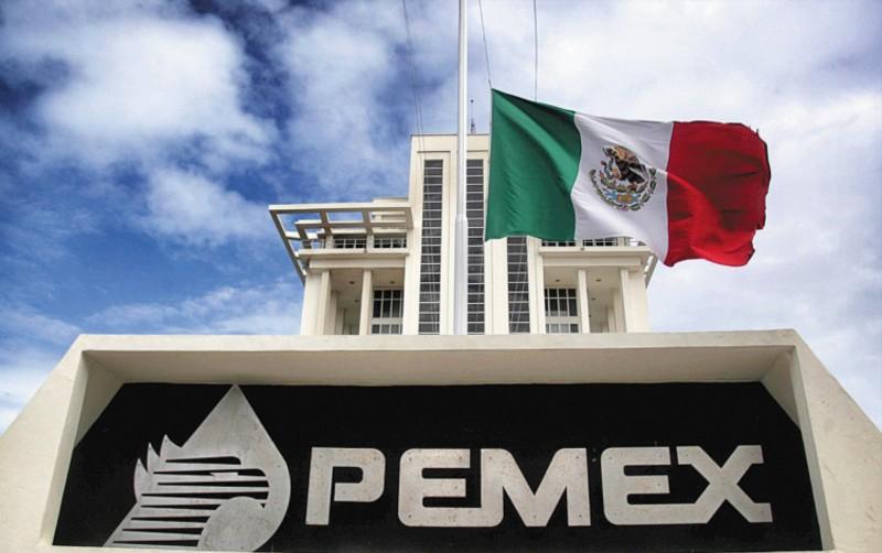 Se abarata gasolina, pero Pemex paga más por importaciones, esto se explica por los acuerdos contractuales para estas importaciones que lleva a cabo PMI.