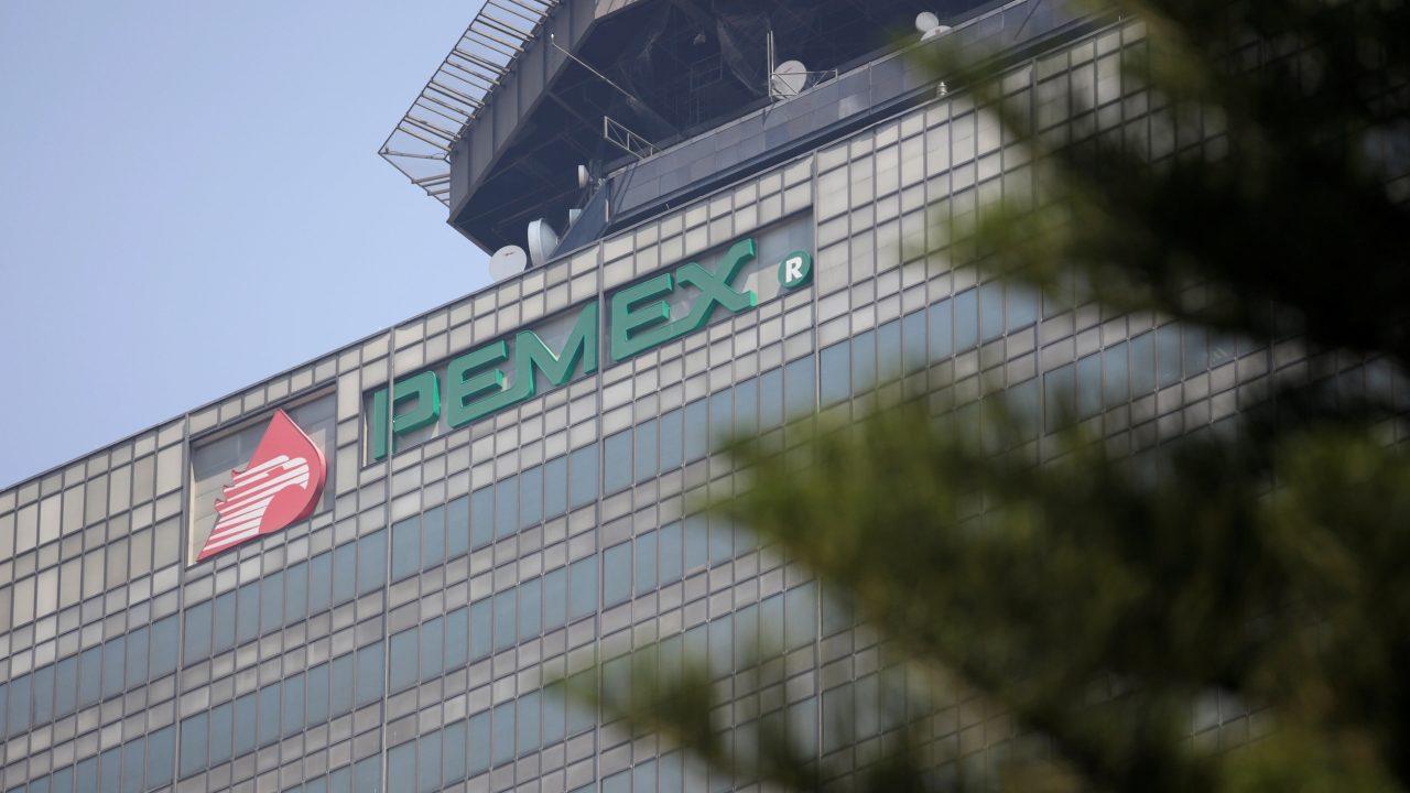 Informes realizados por la Auditoría Superior de la Federación,indican que PEMEX siguió gastando recursos para mantener plantas que no producen.