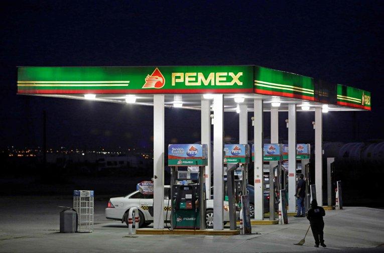 Profeco y Guardia Nacional realizan operativo extraordinario en más de 10 gasolineras del norte del país por sospecha de venta de huachicol.