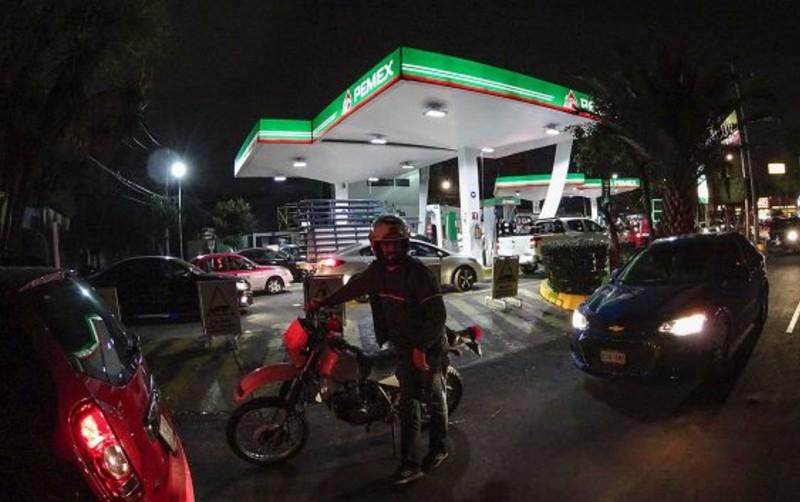 Pemex sumó tres meses con menores ventas de gasolina durante 2019 pues tan solo en el noveno mes del año, la empresa vendió $35,233...