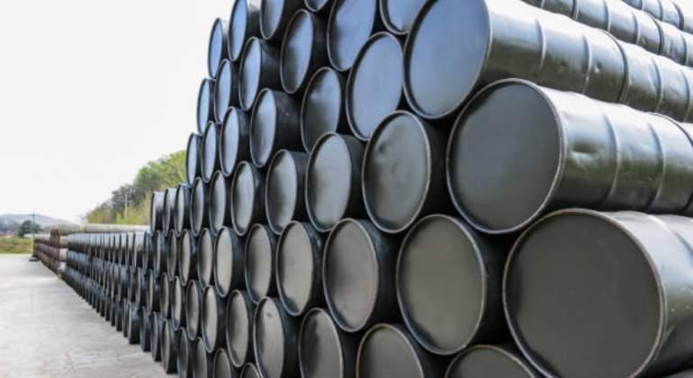 Petróleo de la OPEP cae hasta 30,63 dólares, su valor más bajo en más de 4 años.